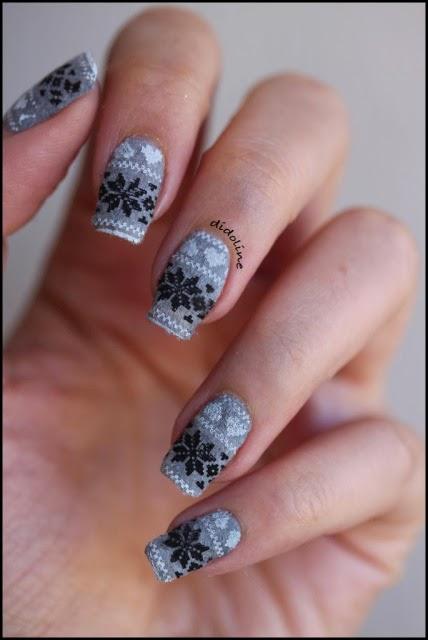 Nail art con decorazioni in stile scandinavo