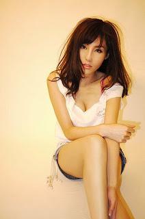 Xu Ying Hong Kong Sexy Model Sexy Short Jeans Image 6