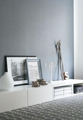 De andar por casas gama de grises para tus paredes for Pintura gris azulado pared