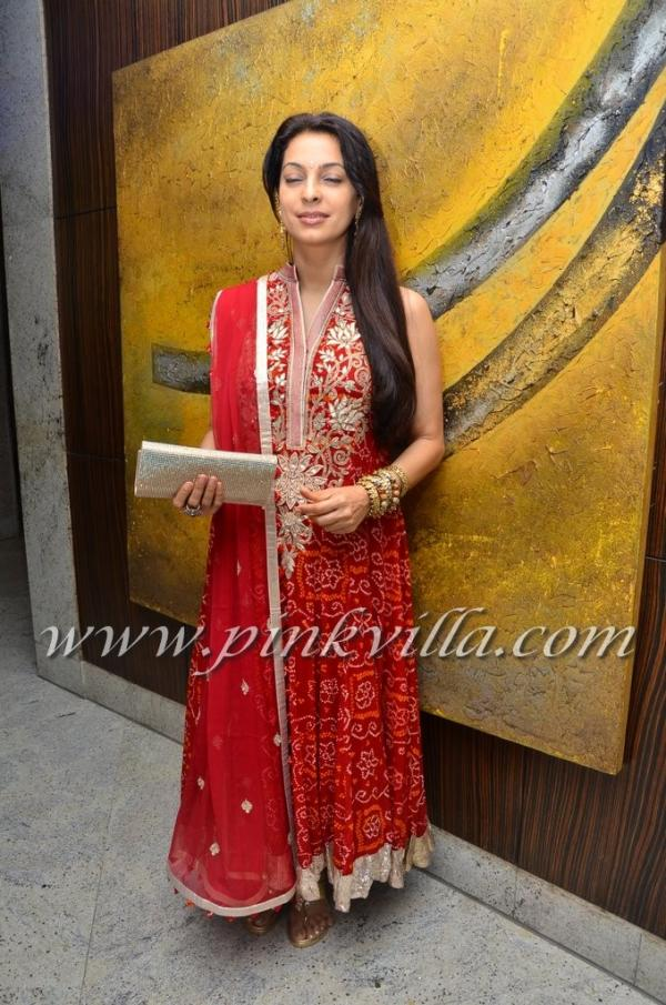 Juhi Chawla Amp Hema Malini At Durga Jasrajs Daughter Avanis Wedding Reception
