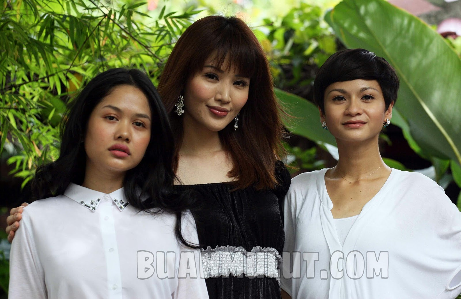 Sindiket - Soo Wincci, Daphne Iking & Sharifah Amani