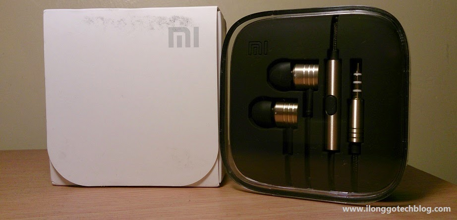 Mi In-Ear Headphones Retail Box and Contents