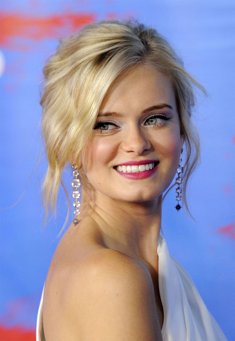 sara paxton2 Maquiagem e Cabelo do Dia: Sara Paxton