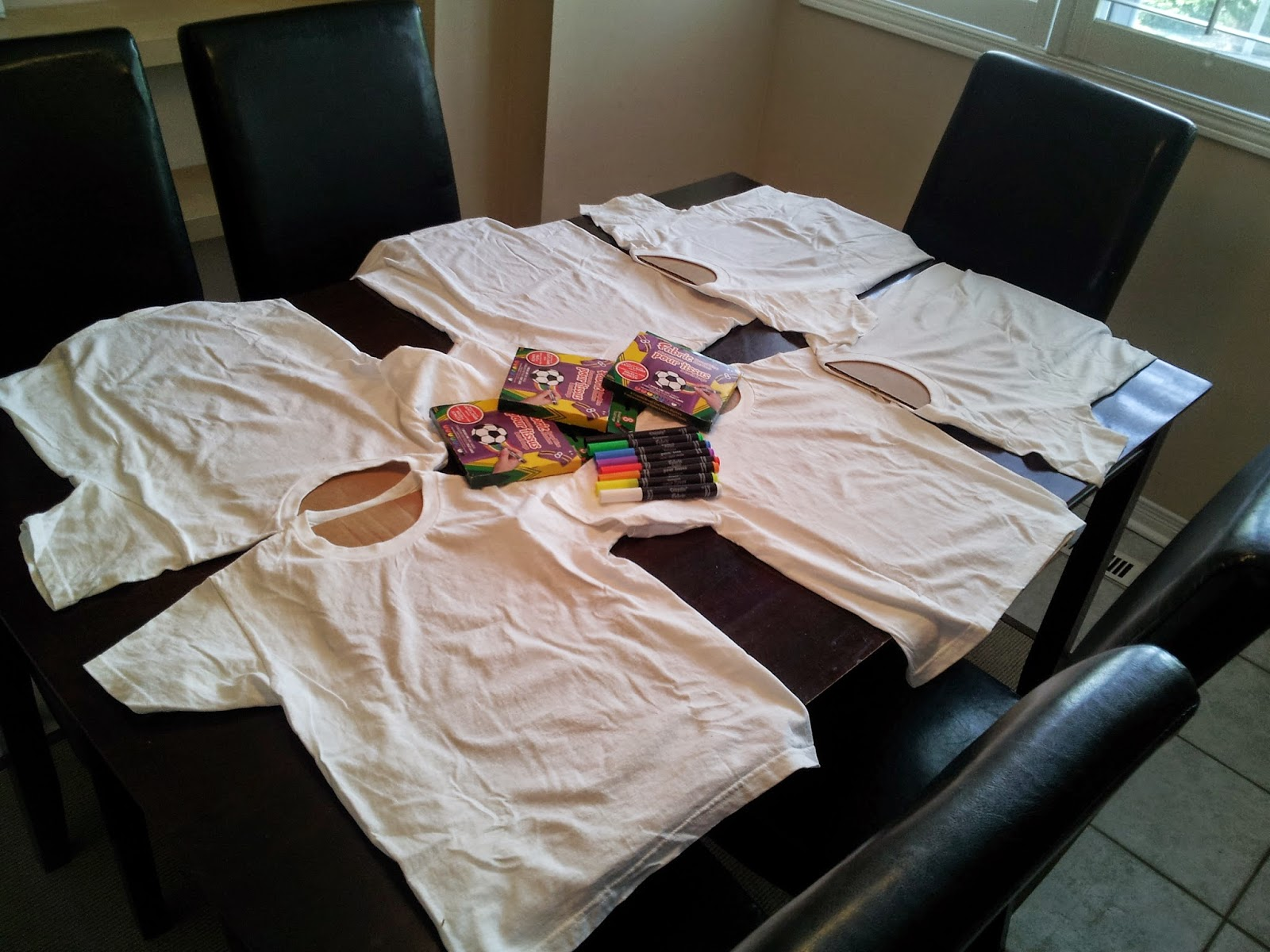 Make your own shirt station, kids activities, kids party