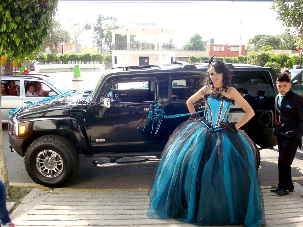 Foto Fashion Digital Renta Una Hummer En Tus Xv Años