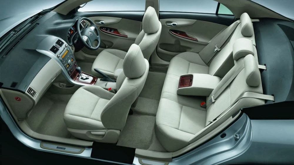 Interior dari Mobil Sedan Corolla grand new altis