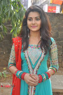 Manochitra Picture Gallery in Salwar Kameez at Netru Indru Movie Audio Launch ~ Celebs Next