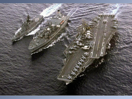 wallpaper militer kapal induk