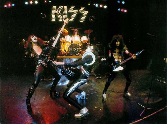 heavy rock kiss alive classic album under review complete film. Black Bedroom Furniture Sets. Home Design Ideas