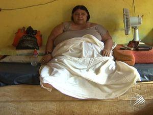 Mulher obesa não sai de casa há dois meses