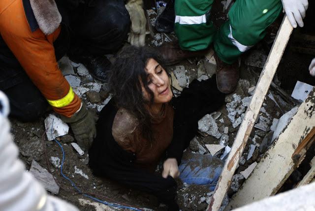 الحرب على غزة Gaza+Under+Fire+%2846%29