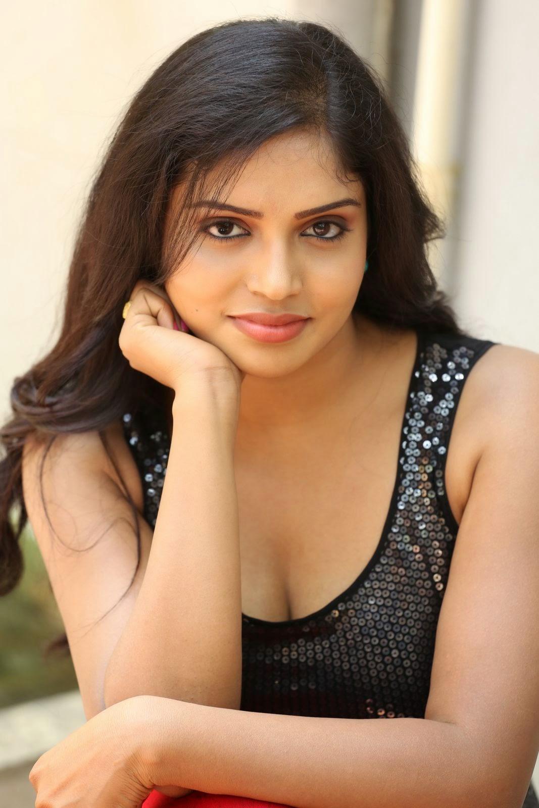 Actress Karunya New glam pics-HQ-Photo-27