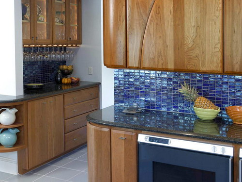 amazing glass tile backsplashes design to spruce up your kitchen