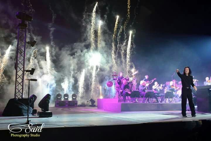 Yanni in Dream concert Egypt.