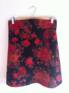 Photo of my new me-made Colette Patterns Ginger skirt