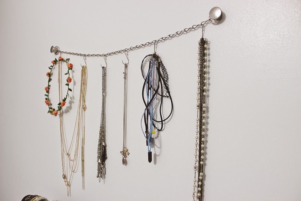 chainlink, necklace holder, jewelry organizer, diy, chain,