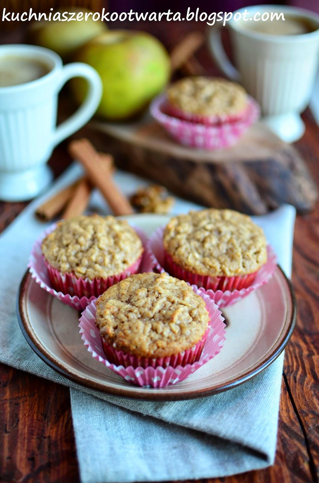 Kuchnia Szeroko Otwarta Pelnoziarniste Muffinki Z Jablkami I Orzechami