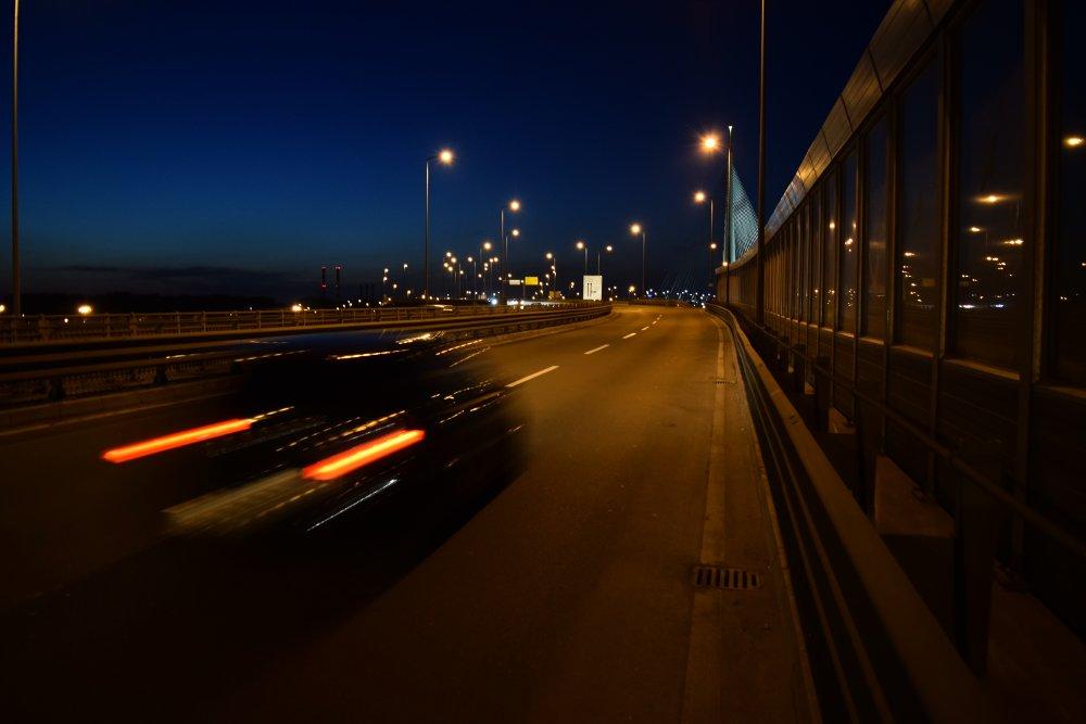Jedan od prilaza ka Mostu na Adi