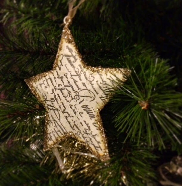 Nothing like a lovely #wordy #star to make you feel #festive but also like you should be writing every time you look at it