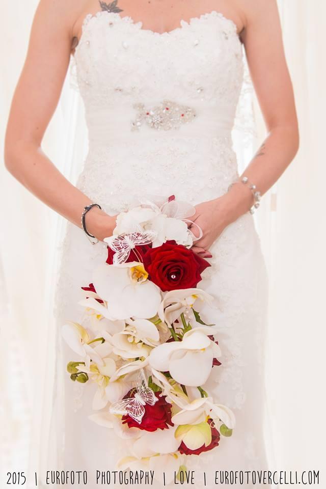 Matrimonio In Bianco E Rosso : Fiori bertola matrimonio in bianco e rosso