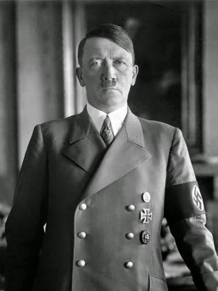 Thời niên thiếu, Hitler say mê một cô gái xinh đẹp tên là Stefanie Isak – người có nguồn gốc Do Thái.