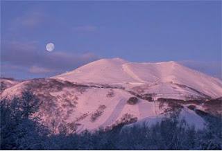 Niseko Ski Resort Hokkaido, Japan (Best Honeymoon Destinations In Asia) 4