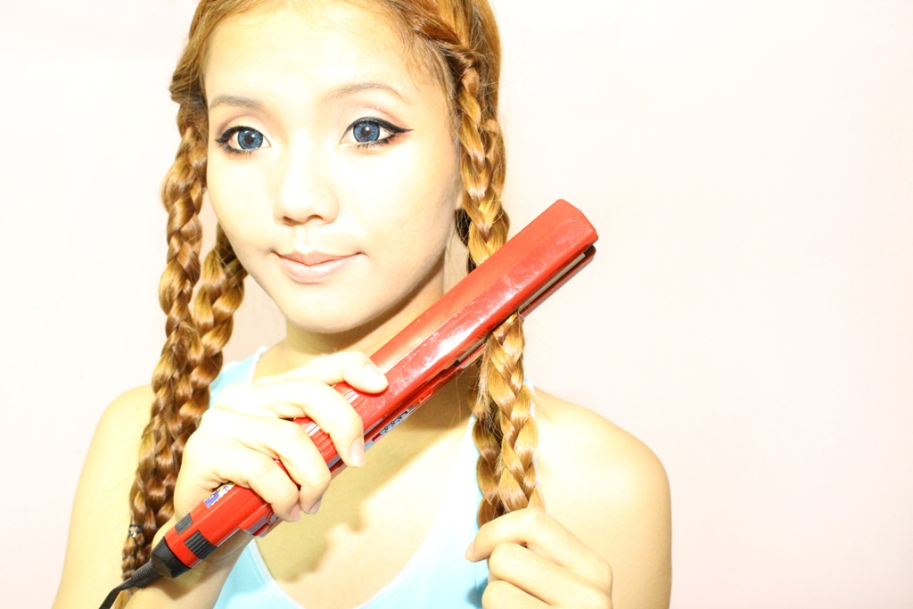 how to make cute waves with a straightener
