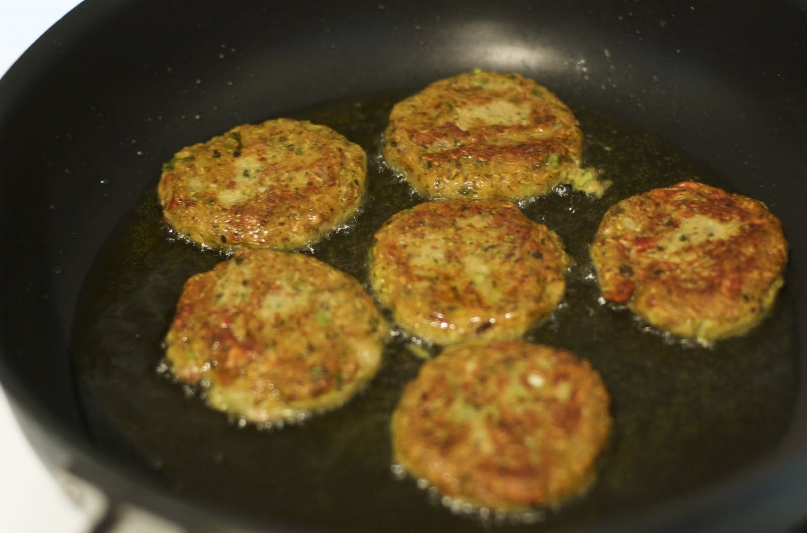 Food We Can All Eat: Zucchini Cakes