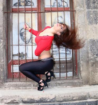 Sarah Stock - lucha women