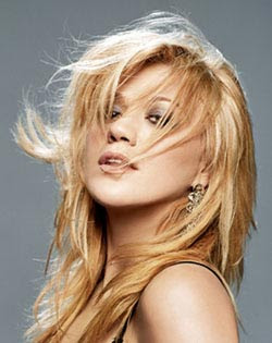 Kelly Clarkson Long Hairstyles 2011