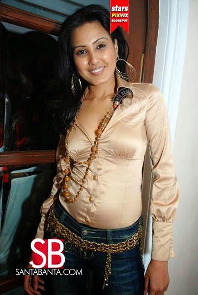 Kamya Punjabi Wardrobe Malfunction