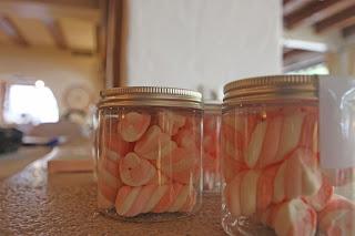 Marshmallow-Gläser für kleine Hochzeitsgäste