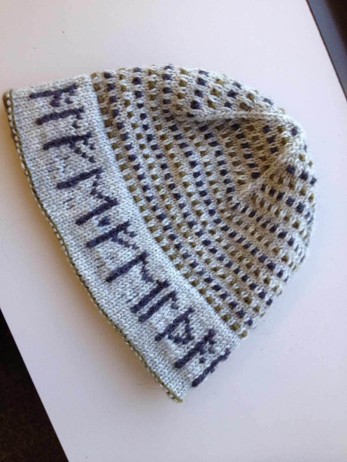 Knitting Letters Into A Hat : Knit better socks the alphabet runed