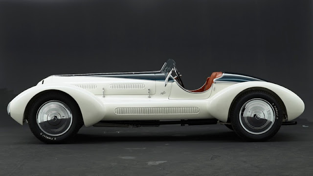The Alfa Romeo 6C name was used on road, race and sports cars made between 1925–1954 by Alfa Romeo. 6C refers to a straight 6 engine. Bodies for these cars were made by coachbuilders such as James Young, Zagato, Touring, Castagna, and Pininfarina.