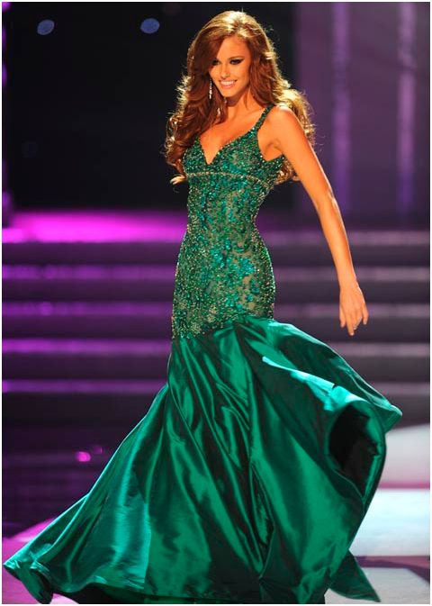 SASHES AND TIARAS.....Best and Uh Oh Pageant Gowns of 2011 - Nick ...