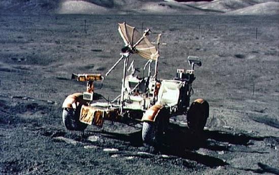 Inilah Mobil Pertama yang Dikendarai di Bulan