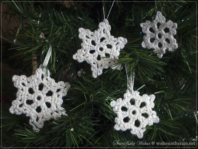 crochet snowflakes in a christmas tree - www.wishesintherain.net