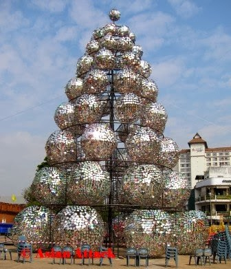 How to recycle recycling cd 39 s christmas trees Christmas tree ideas using recycled materials