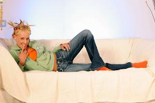 Twerking blondes - rs-60308-44-024-768935.jpg