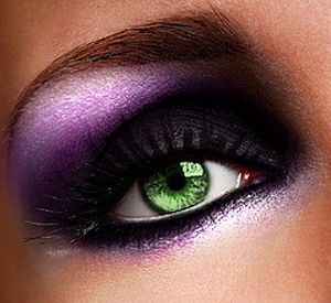 Purple Shade Glittery Eye Makeup