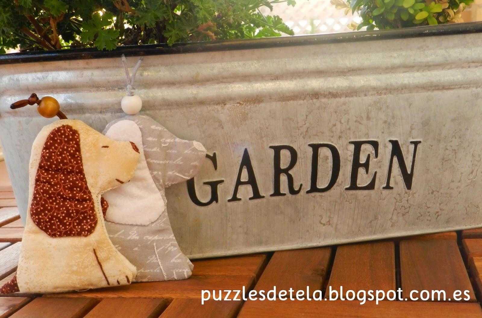 Puzzles de tela, patrón llaveros patchwork perro, llavero perro, llaveros patchwork perro, llaveros patchwork, amigo invisible, ideas para regalar, regalos, patchwork, llaveros, llaveros patchwork, dogs, key chien,