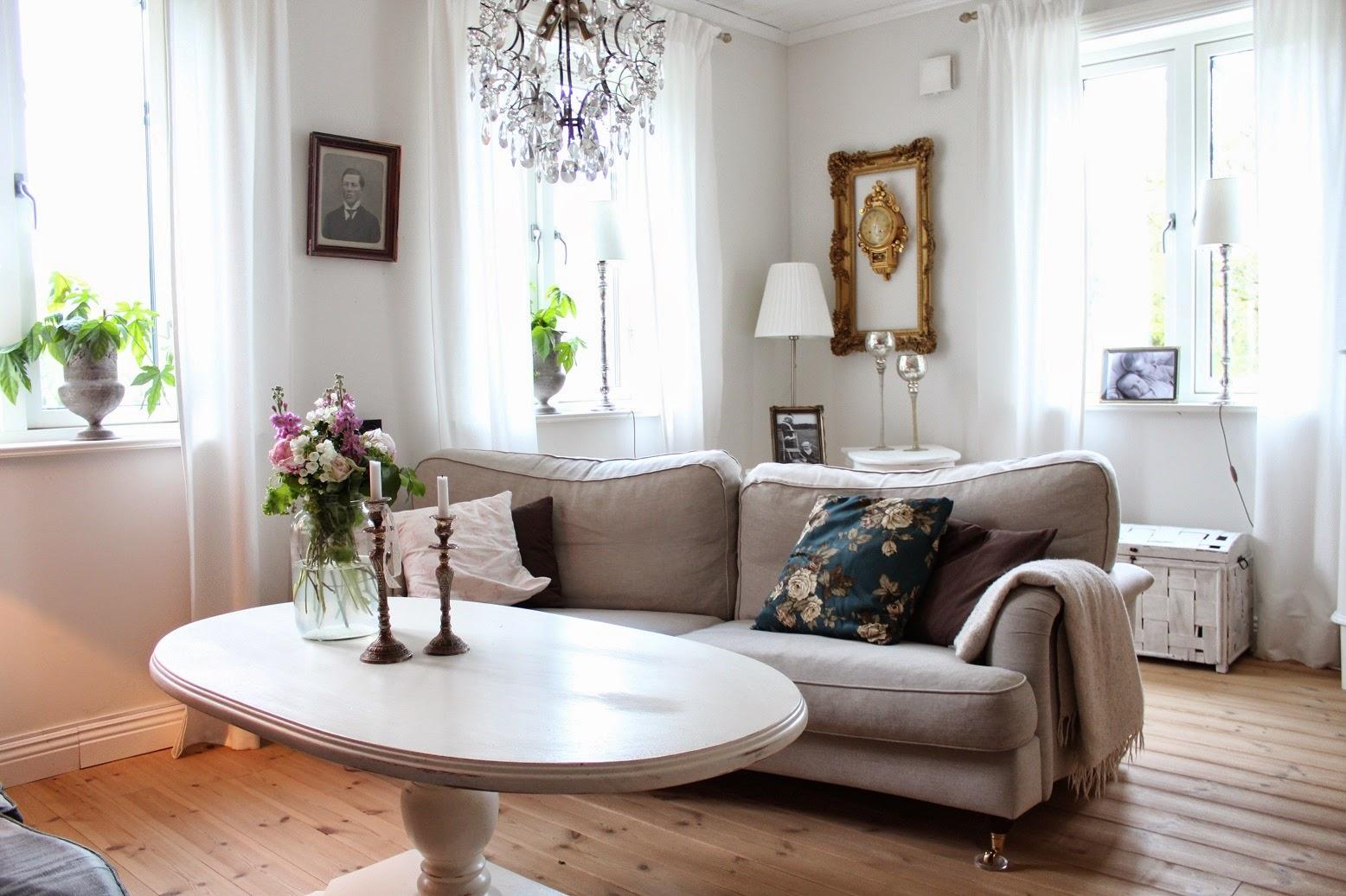 Claras hem pÅ byvÄgen : i vårt vardagsrum