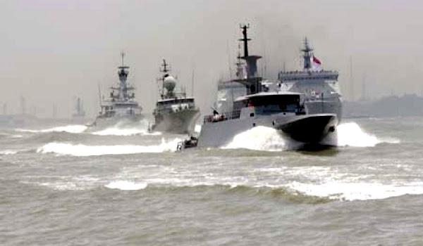 Armada Kapal Perang. PROKIMAL ONLINE Kotabumi Lampung Utara