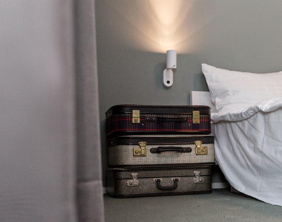 Magdas Hotel in Wien - Vintage-Style mit sozialem Touch! Raffiniertes Recycling alter Möbel und Leuchten für stylische Einrichtung!