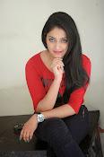 Hari Priya dazzling stills-thumbnail-13