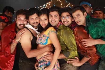 Watch Yarukku Theriyum (2012) Tamil Movie Online