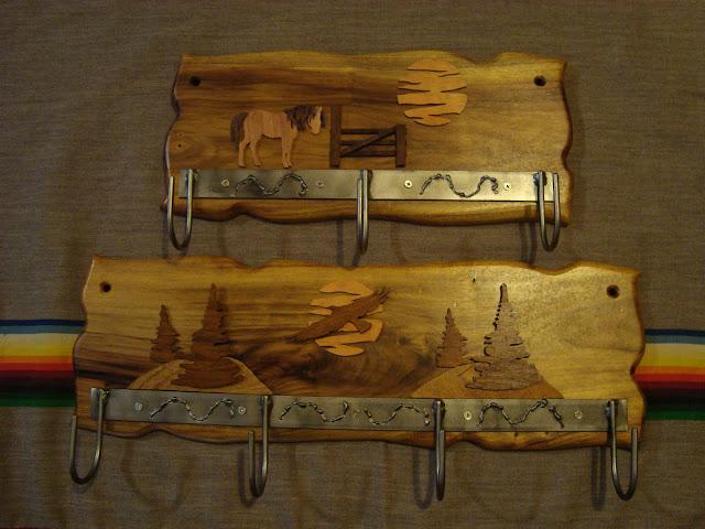 El olivo artesanias nuevos productos y modelos percheros for Percheros en madera
