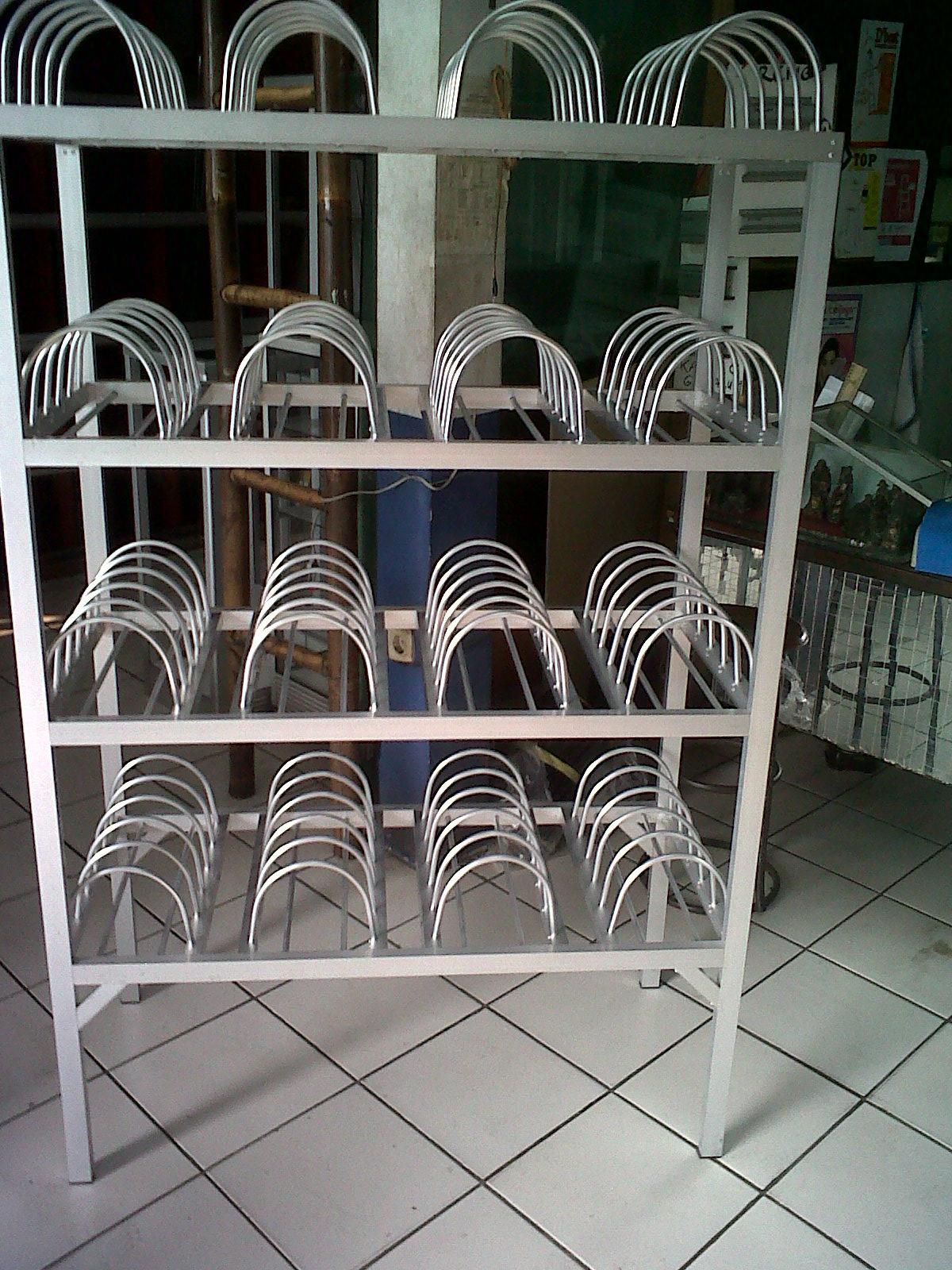 rak piring dan rak gelas