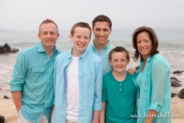 Maui photographer karma hill -family in colorful clothing
