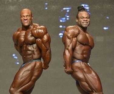 Triceps kai greene phil heath bodybuilding développer entrainement